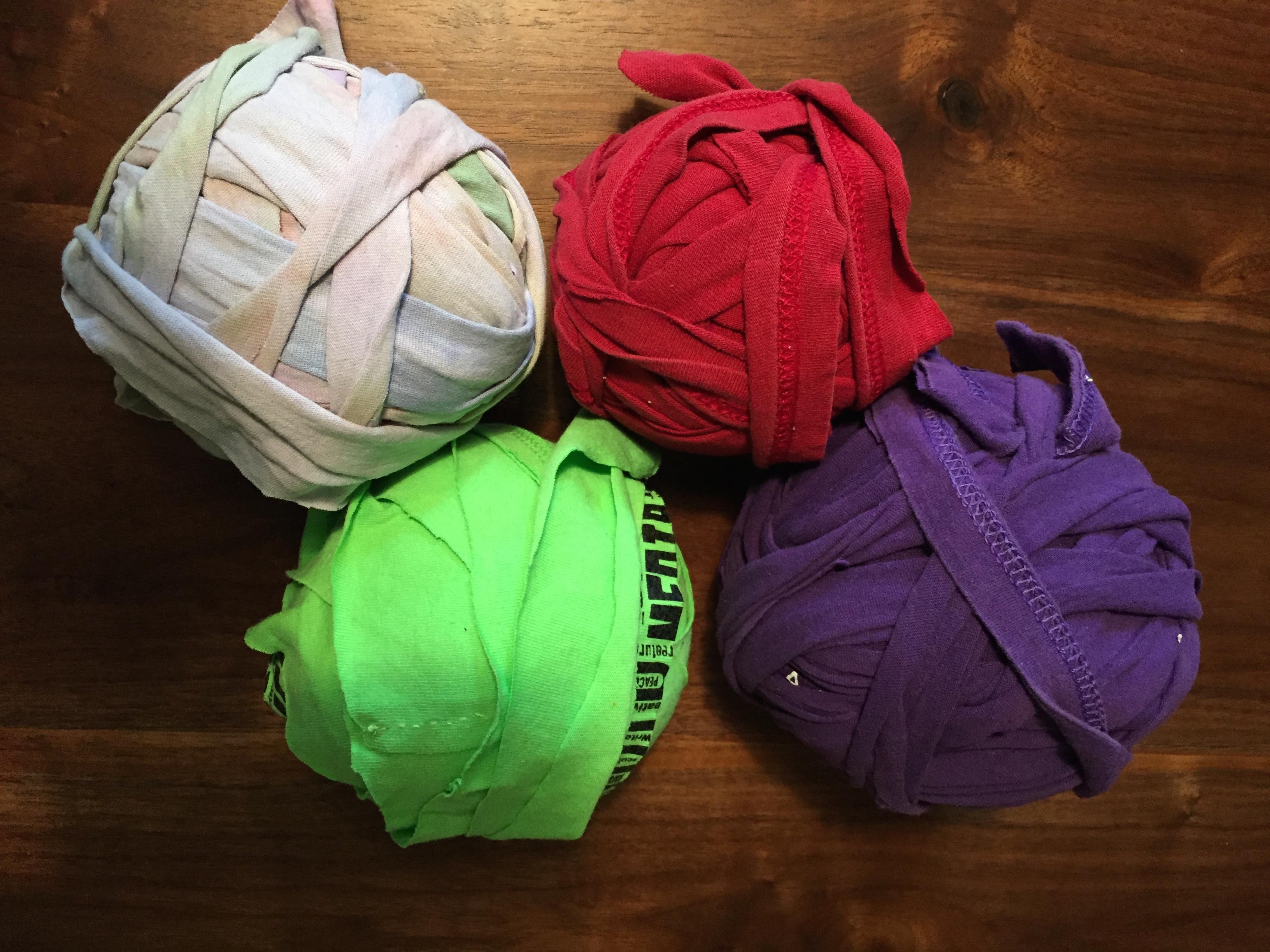Rag Rugs Repurposing Old T Shirts And Sheets Sugar